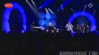 Postman ft. Anouk - Downhill (TOTP, 2006)