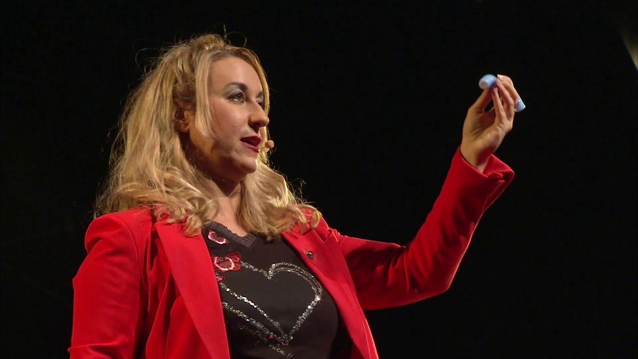Persuade con tu voz. Estrategias para sonar creíble.   Emma Rodero   TEDxMalagueta