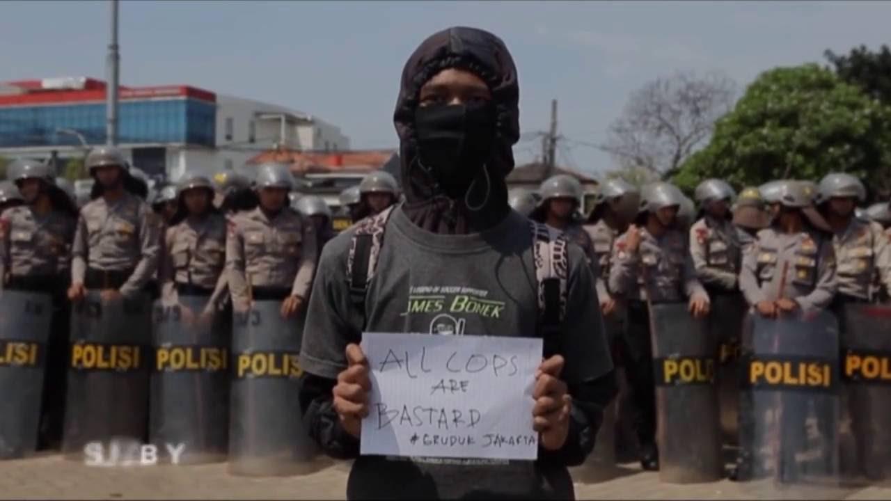 Surabaya Punya Kita - Persebaya Ataoe Mati [ Part 1 ]