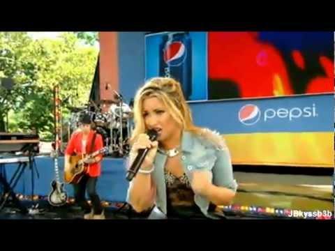 Demi Lovato - Fix A Heart GMA 7 / 6 / 2012