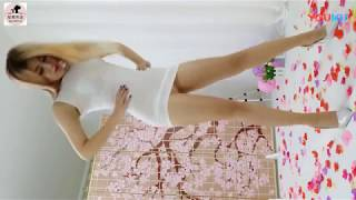 Download Video HOT - ASIAN GIRL DANCING BRAZILIAN MUSIC MP3 3GP MP4