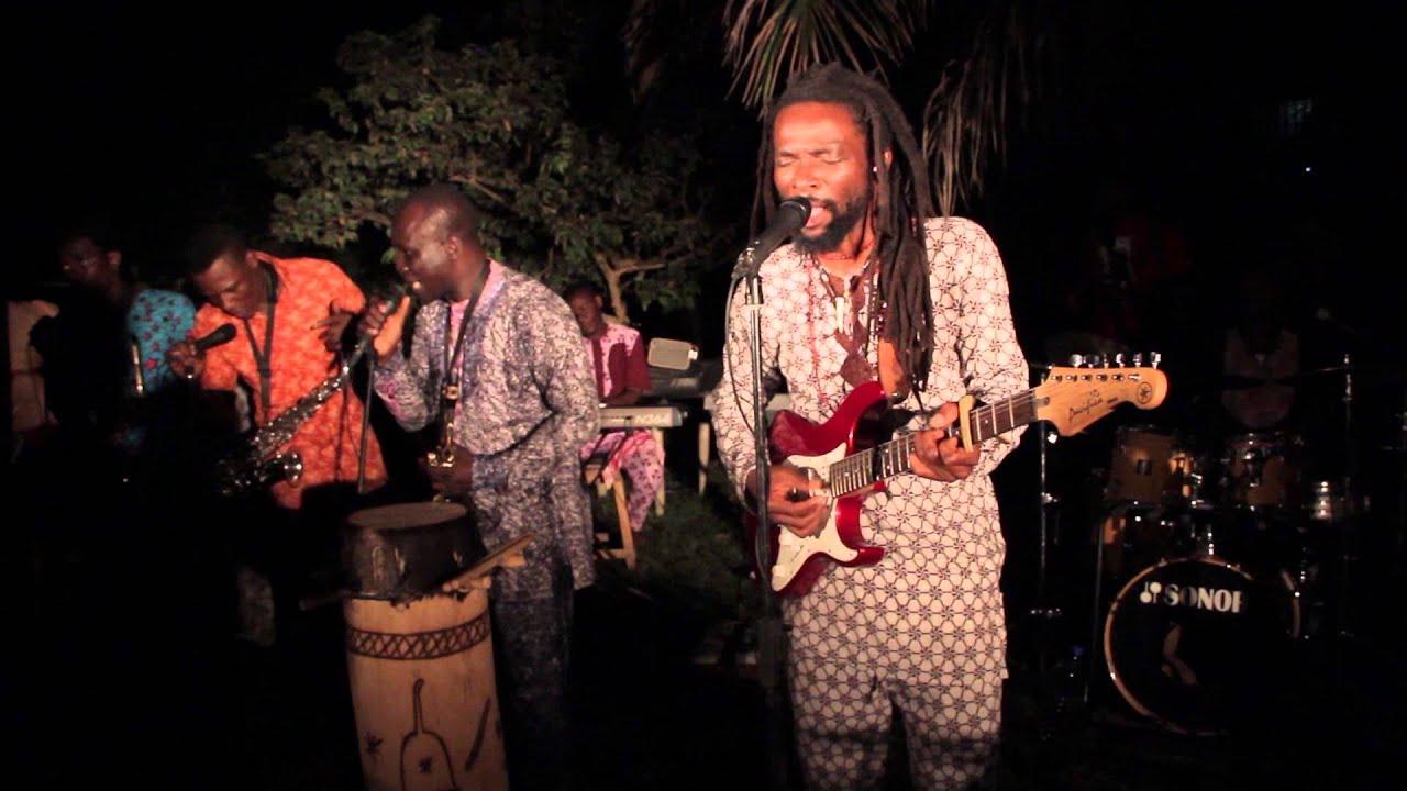 Download Beautiful Nubia - Araromi (Sept 2014)
