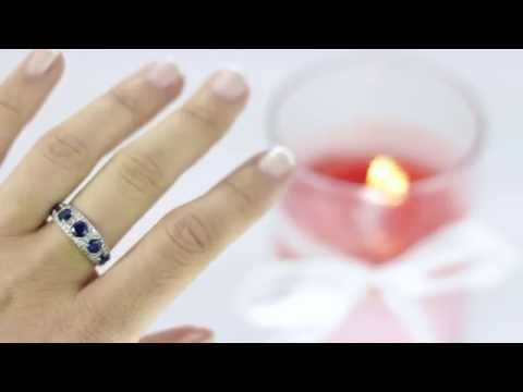 The perfect gift! - Scented Candle with Blue Ring inside!