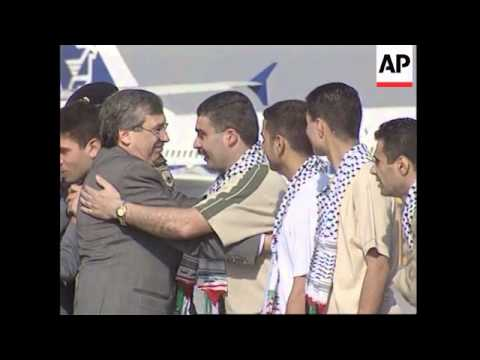 Exiled Palestinians board plane, take-off