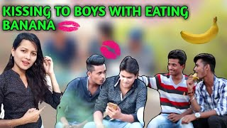 #latur #kissingprank #kissingboyKissing To Boy  | GAY Prank | | Prank in India | Mad Prank
