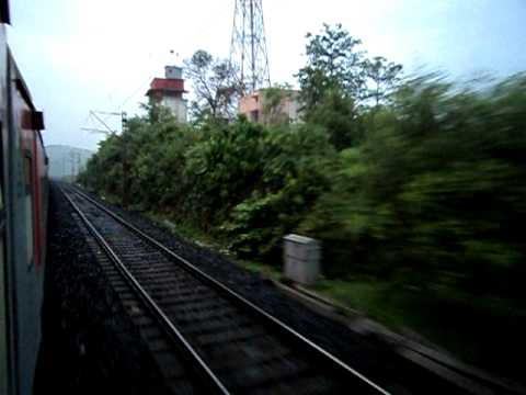 Howrah Rajdhani through Chota Nagpur Hills - Part 1.AVI