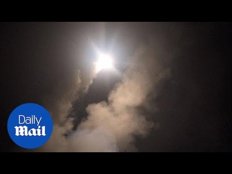 Video shows US launching tomahawk missiles against Syria - Daily Mail