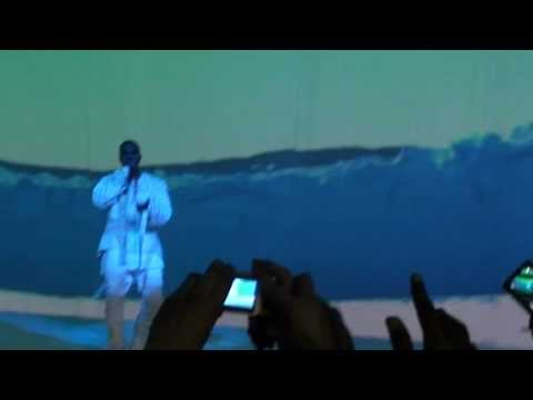 Kanye West - Run This Town and Diamonds Remix live in Paris ZENITH HD  25/02/2013