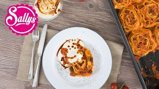 Orientalische Nudelschnecken mit Tomaten- & Joghurtsoße