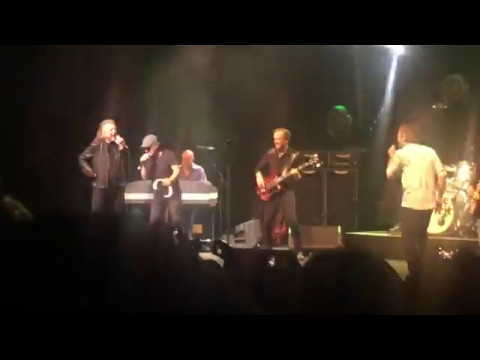 "Brian Johnson, Paul Rodgers e Robert Plant - ""Money (That's What I Want)"""