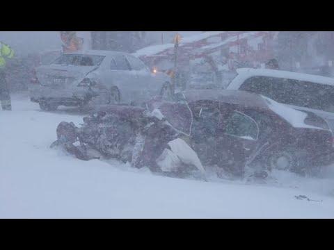 Massive pileup in the Blizzard shuts down I-94 in Albertville, MN - 12/23/2020