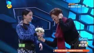 """《快乐大本营》看点 Happy Camp 11/08 Recap: 李易峰刘亦菲""""鹊桥相会""""秀恩爱-Couple Love Scene【湖南卫视官方版】"""