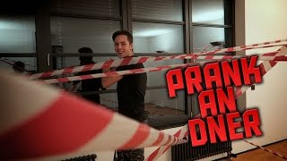 PRANK IN DNERS UFO ZIMMER