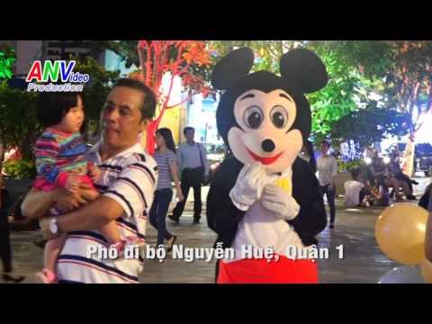 Sài Gòn đón Giáng Sinh và Năm Mới 2016.