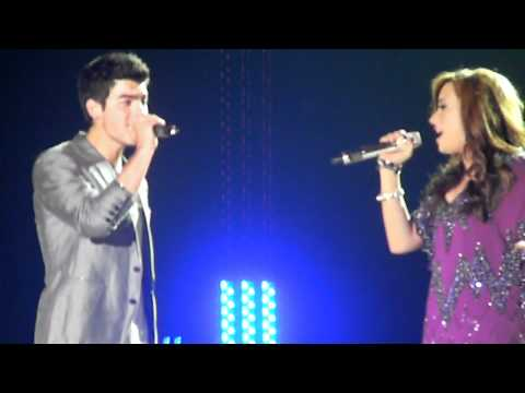 This Is Me/Wouldn't Change a Thing: Jonas Brothers World Tour 2010 with Demi Lovato 8/28/10 **JEMI**
