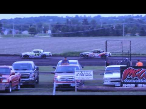 IMCA Hobby Stock Feature from the Hawkeye Dirt Tour May 30, 2016 at Benton County Speedway