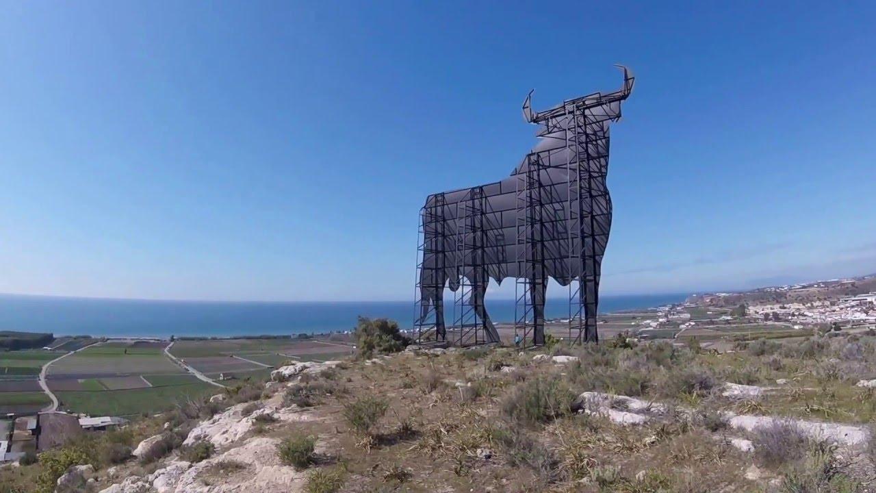 Hiking up to the osborne bull torre del mar almayate youtube for Cerrajero torre del mar