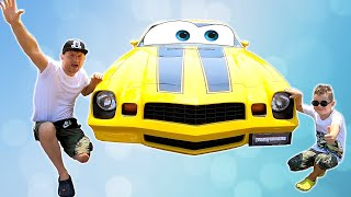 Yellow Car in fun park | Timko and papa in Hollywood?