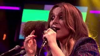 Trijntje Oosterhuis presenteert nieuwe single 'Dit is voor mij'