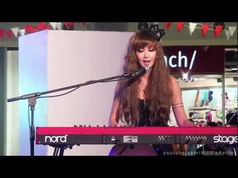 Lonely in Gorgeous Live Cover in SM Muntinlupa by Alodia & Ashley