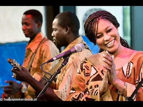 Bassekou Kouyate & Ngoni ba - Jonkoloni