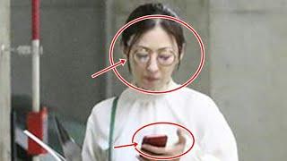 松雪泰子 スポーツカーに乗る前のかっこよすぎる赤ヒール姿 松雪泰子 ス...