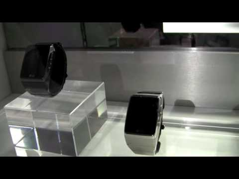 LG-GD910 wrist watch phone - CES 1st look