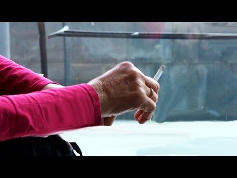 В общественных местах Армении запретили курить
