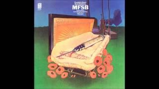 MFSB - Back Stabbers Pubblicato 1973 American band formato dai prod...