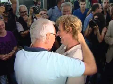 Spanish aid workers freed by Al-Qaeda return home