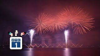 Màn pháo hoa với câu chuyện tình yêu trong mưa