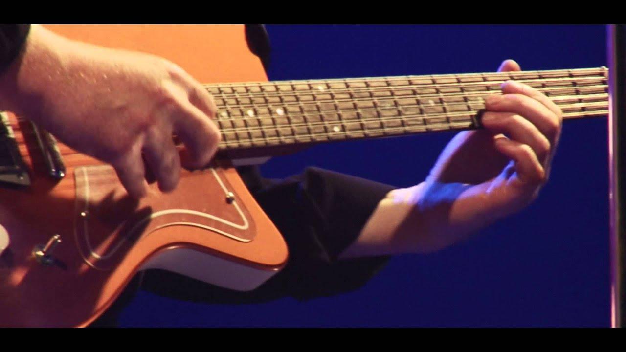 Kim Larsen & Kjukken - Stille i verden (Officiel Live-video)