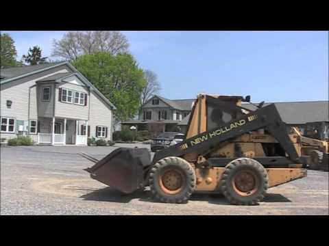 Repeat Mustang 930A Skidsteer with Bucket by westauction64