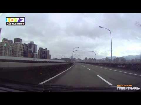 Avión de TransAsia estrellado en el río Keelung en Taipéi, Taiwán