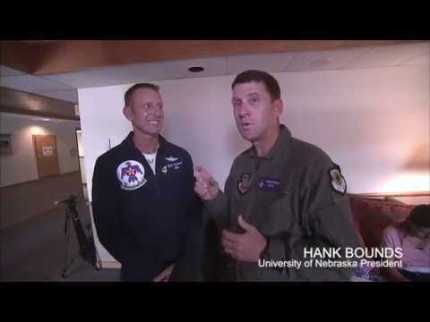 President Bounds with Thunderbirds pilot and UNL graduate Maj. Nick Krajicek