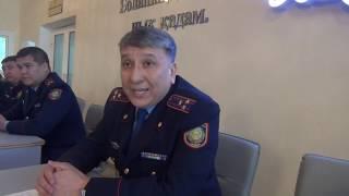 В Нуротане досталось полицейским за регистрацию авто с иностранными номерами.  Уральск