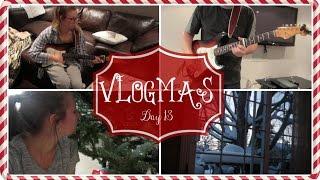 ❄VLOGMAS DAY 13❄ // Playing Guitar & Christmas Movies!