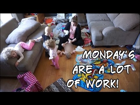 MONDAY MORNING ROUTINE OF STAY AT HOME MOM - YouTube