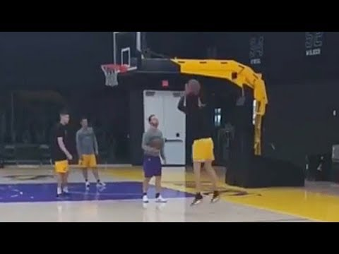 Lonzo Ball Shows New Jumpshot!
