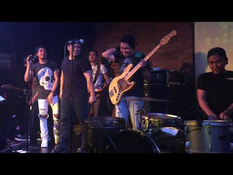 Funky Kopral Ft. Fadly & Rindra Musikimia - Give It Away (RHCP Cover)