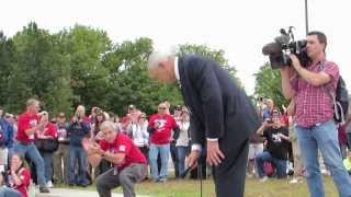 "Gen. Colin Powell Addresses Honor Flight ""Operation: Gratitude""  9/28/13"