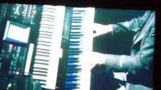 名曲が2011年のライブバージョンでカラオケになってました。(涙)