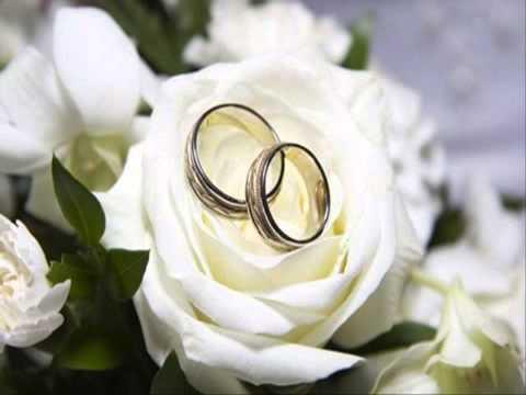 ชุดแต่งงานแบบไทย ภาพคู่แต่งงาน