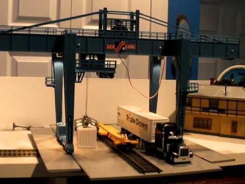 Sea Land operating crane