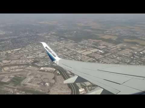 WESTJET FLIGHT BOEING 737-800 FROM CALGARY TO TORONTO ( PART 1 ). AUG 30/2016.