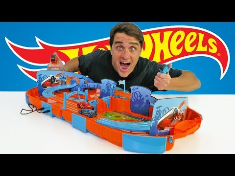 Hot Wheels Carrying Case Slot Car Track Race Set ! || Toy Review || Konas2002