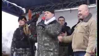Правий сектор озброївся автоматами Калашникова