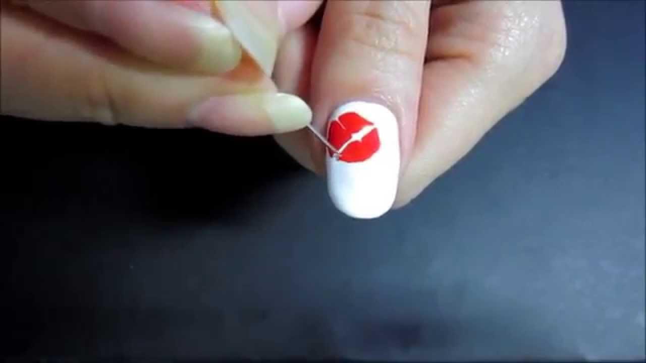 Маникюр губы на ногтях