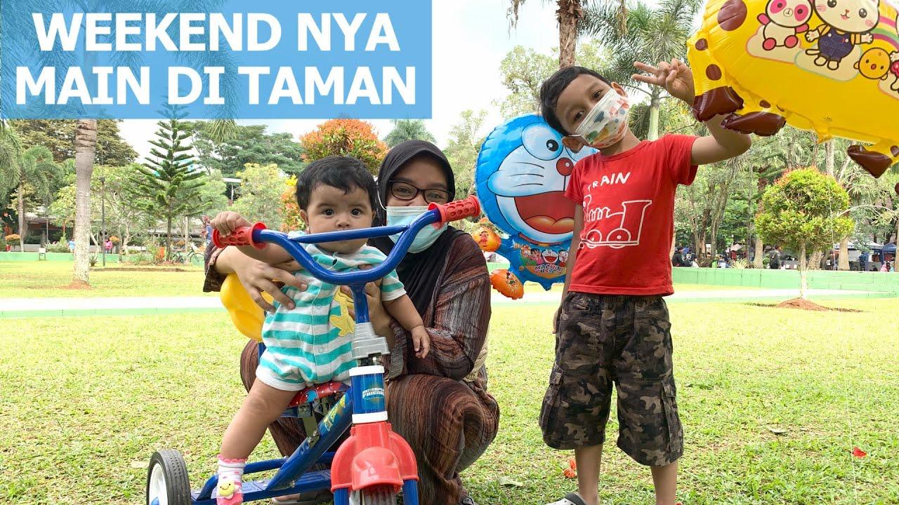 Hari Liburnya Main di Taman Bareng Dede Bayi ! Naik Sepeda, Main Bola, & Beli Balon Karakter Lucu