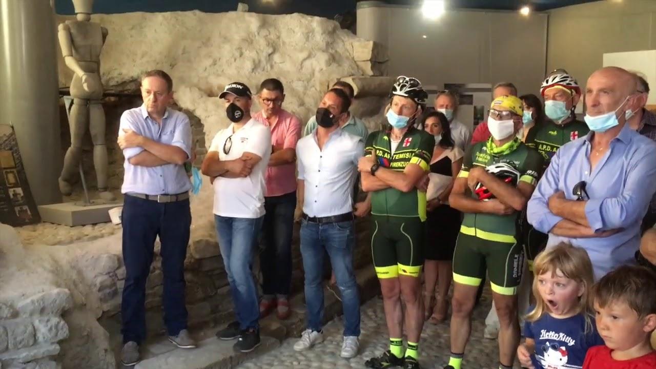 Scultura e ciclismo, Firenzuola ricorda Alberto e Franco Ballerini